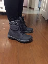 官网买的鞋子,非常满意的一次购物体验